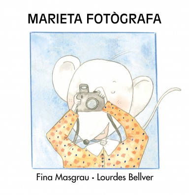 MARIETA FOTÒGRAFA (En majúscula)